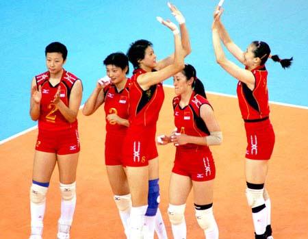 奥运中美排球小组赛 赵蕊蕊场上为队友鼓劲